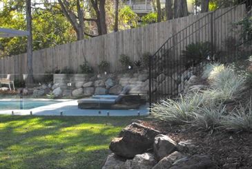 pool-scaping-fencing
